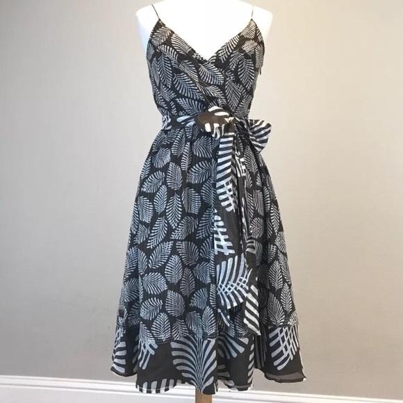 Tommy Bahama Dresses & Skirts - Tommy Bahama resort silk wrap dress 8